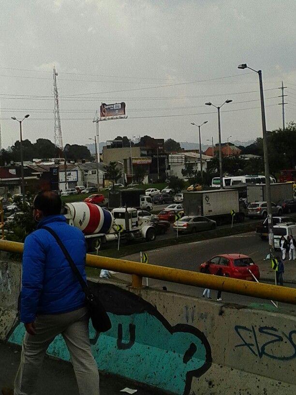 Puente Calle 100 con autopista