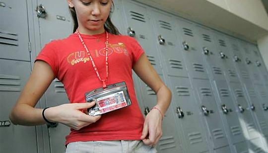 Se hará seguimiento con tecnología RFID a estudiantes en San Antonio, Texas