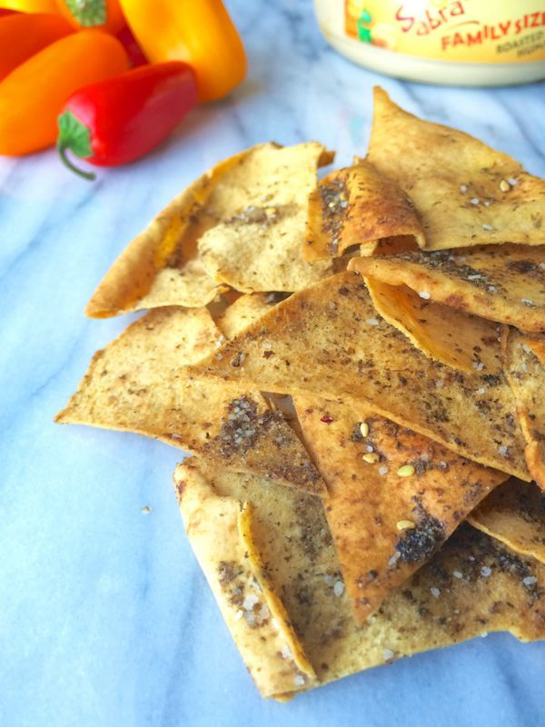 Baked Pita Chips with Za'atar | thelemonbowl.com | #snack #chips #healthy