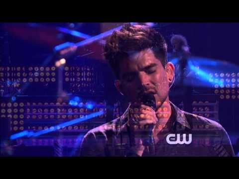 Queen with Adam Lambert-We Will Rock You/We Are The Champions iHeartRadio Music Fest 2013 - YouTube
