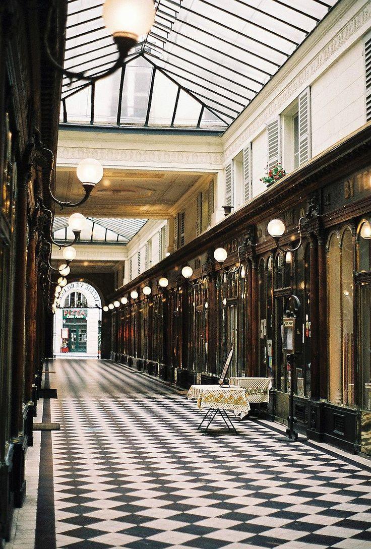 Galerie Vero-Dodat.JPG