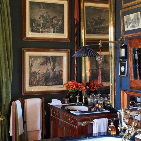 Maybe I don't hate Anoushka Hempel. Masculine, traditional, very messy and maximalist though. Take off one thing. Or ten. Love the dark mahogany and brass. A Lavish English Country Estate : Architectural Digest