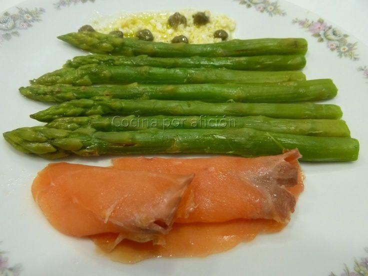 Cocina por afición: Espárragos a la vinagreta con trucha ahumada