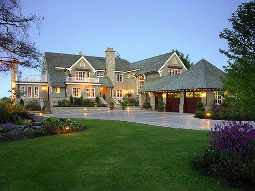 1000 ideas about big houses exterior on pinterest big for Big beautiful mansions