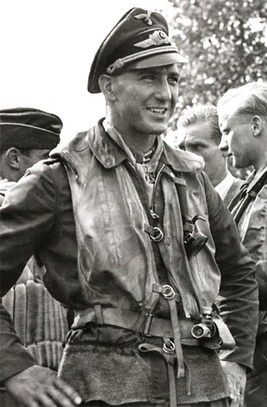 Major Erich Leie was credited with 118 victories in over 500 missions. He recorded 76 victories over the Eastern front, including 32 Sturmovik ground attack aircraft. Of his 42 confirmed victories recorded over the Western front, 30 were Spitfire fighters and one was a four-engine bomber.