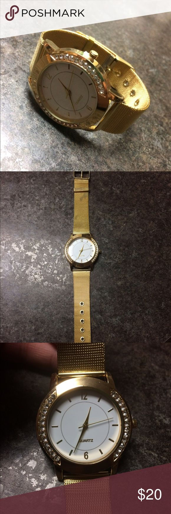 Women's gold watch Women's gold colored, large face watch Accessories Watches
