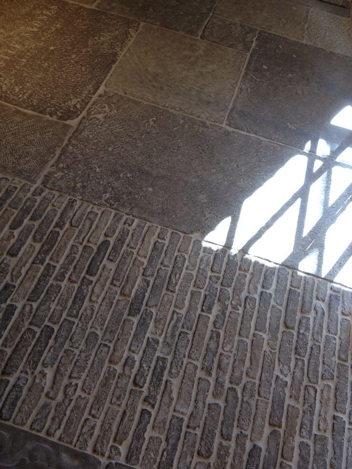Vandemoortel Zarren Castle stones