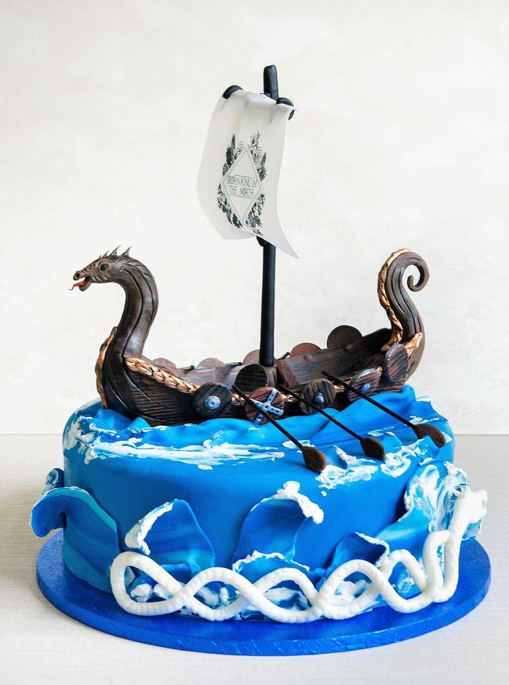 Ne plac provocarile, astfel am reusit sa realizam si acest model atunci când am primit întrebarea daca putem realiza un tort cu o carabie vikinga. Oricare ar fi dorinta ta in ceea ce priveste tortul aniversar, noi promitem sa incercam sa o îndeplinim.