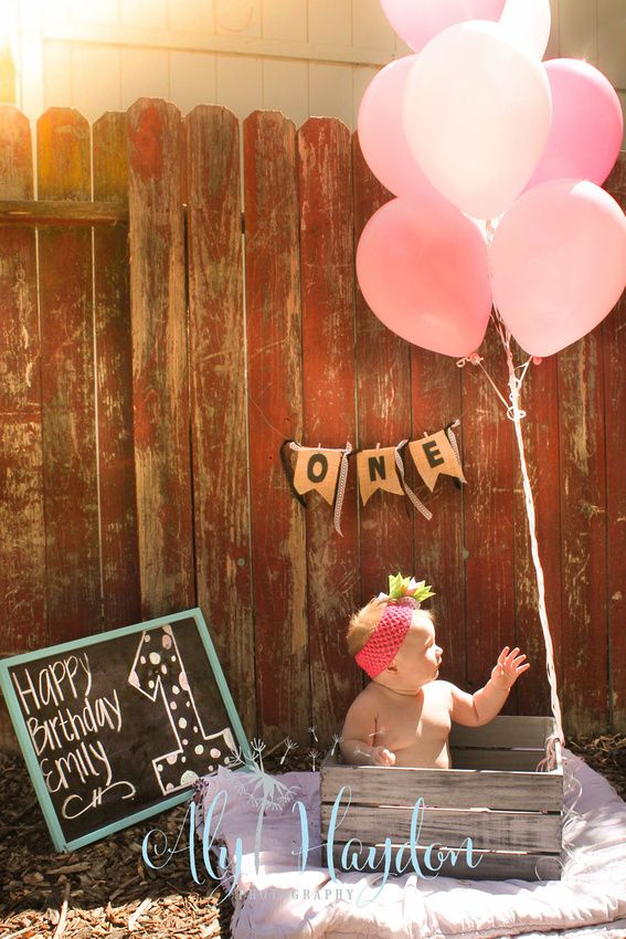 one year photography portraits baby girl first birthday bday balloons pink pearls photoshoot chalkboard