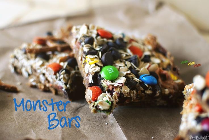 Monster Bars: Cookies Bar, Yummy Desserts, Crackers Crumb, Yummy Sweet, Monsters Bar, Sweettooth, Desert Bar, Yummy Treats, Desserts Sweet Treats