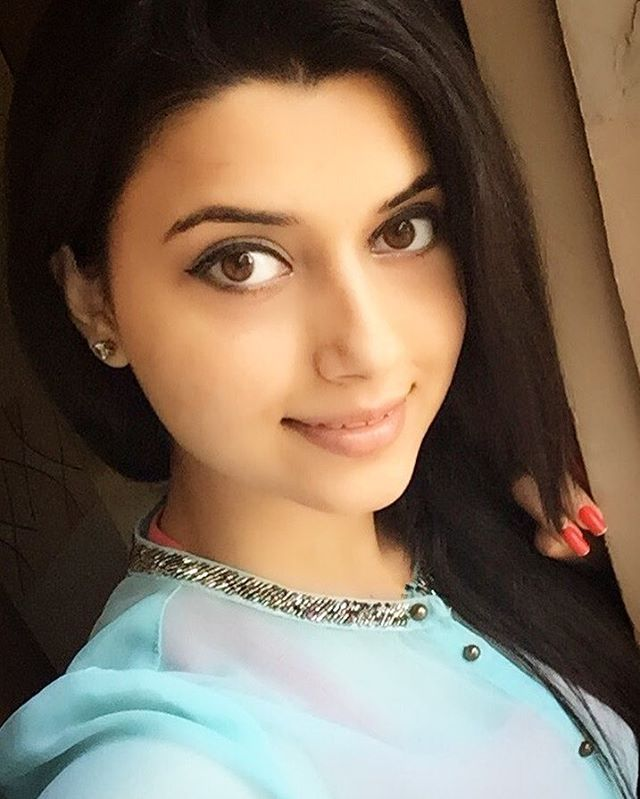 """3,444 Likes, 77 Comments - Nimrat Khaira (@nimratkhairaofficial) on Instagram: """"Patience is not about how long u wait, it's about how well you behave while you are waiting ....."""""""