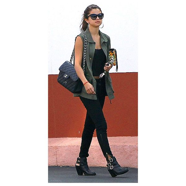 Selena Gomez ❤ liked on Polyvore featuring selena gomez, outfits, celebrities, people and selena