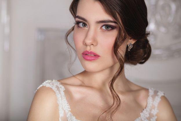 Свадебная прическа на длинные волосы-пучок и свободные локоны ::: onelady.ru ::: #hair #hairs #hairstyle #hairstyles