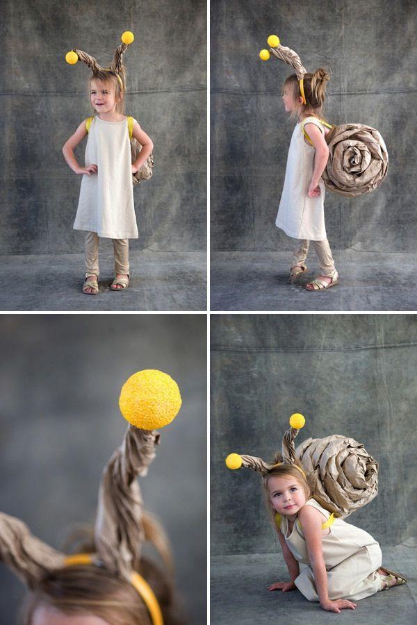 Precioso caracol de papel craft. Tutorial paso a paso: http://ohhappyday.com/2012/10/snail-costume/