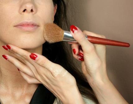 Hier die Sammlung der fünf schlimmsten Beauty Fehler aus der Erfahrung als Visagistin heraus, damit ihr sie nicht macht :-)