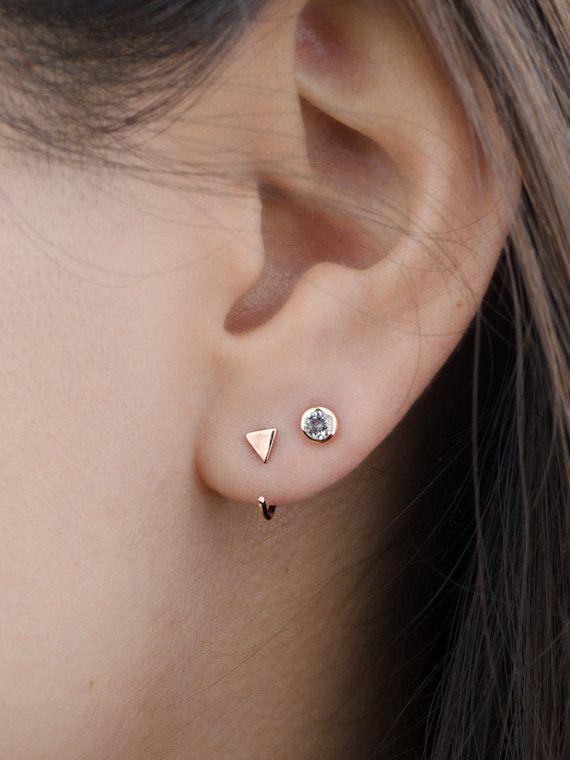 Kleine driehoek knuffel hoepel oorbellen Sterling Zilver by lunaijewelry   Etsy