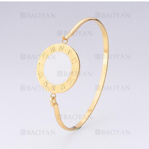 pulsera con numero romano de dorado en acero inoxidable-SSBTG255100
