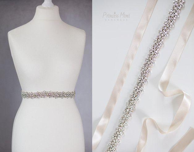 """**♥Pimp your Dress ♥ : Sagen Sie """"JA"""" mit Perlen**  Einzigartiger Satingürtel mit Strass-Steinen in verschiedenen Größen . Der Gürtel kann im rücken mit einer großen schleife gebunden werden. Der..."""