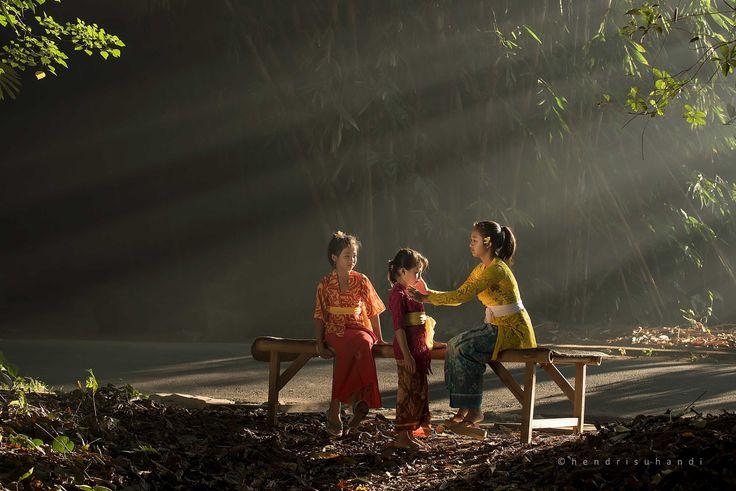 Sister Love by Hendri Suhandi / 500px