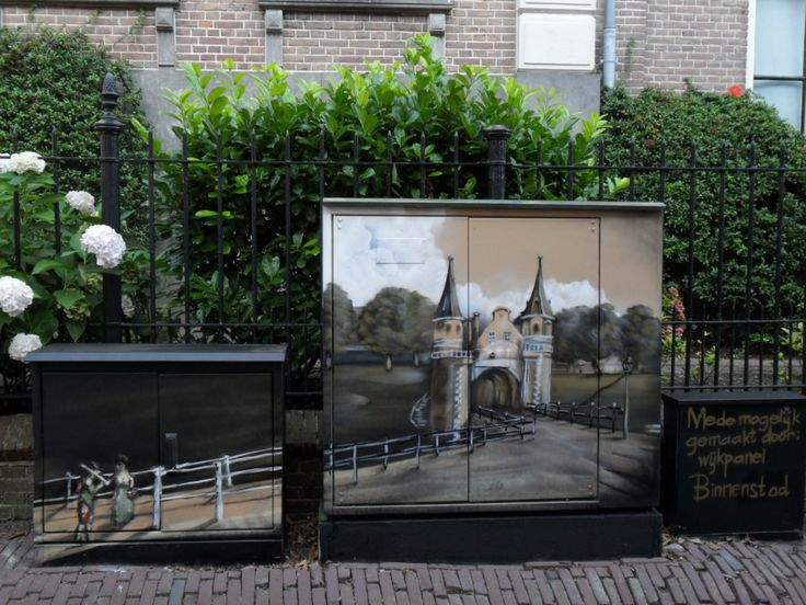 St. Anthonystraat. Electricity cabinet made into art. September 2016.