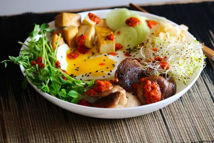 Vegetarian Korean bibimbap bowl