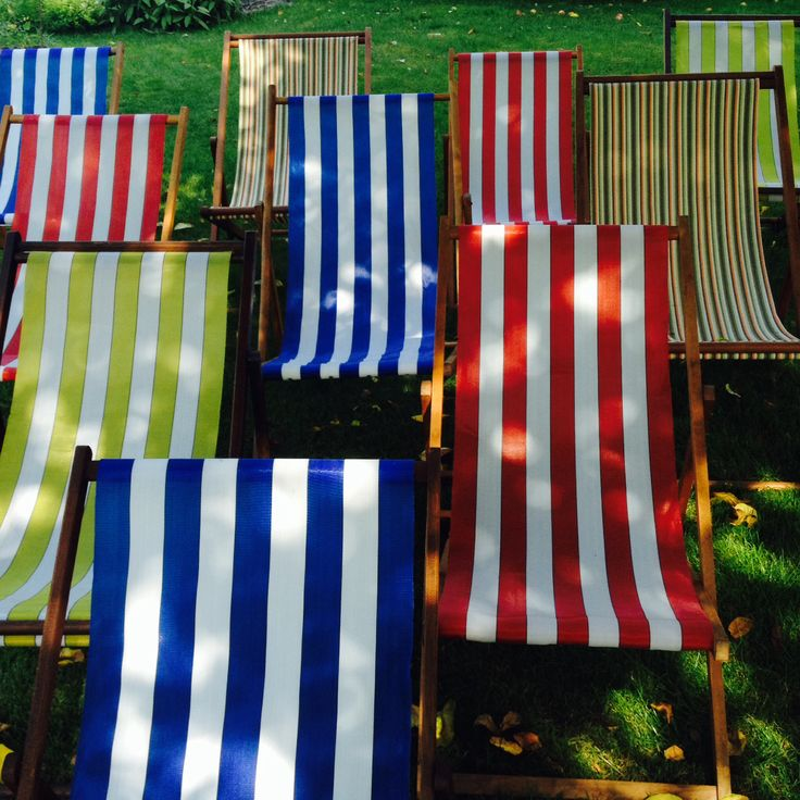 Deckchairs  www.livingthecream.co.uk