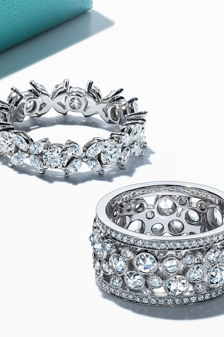 A perfect match for the perfect pair. Tiffany Victoria® alternating band ring and Tiffany Cobblestone band ring in platinum with diamonds.