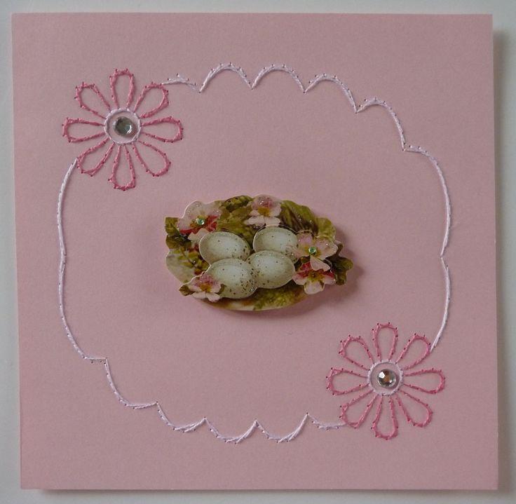Defi in rosa  ricamo e composizione di giuseppina ceraso http://crocettando.wordpress.com