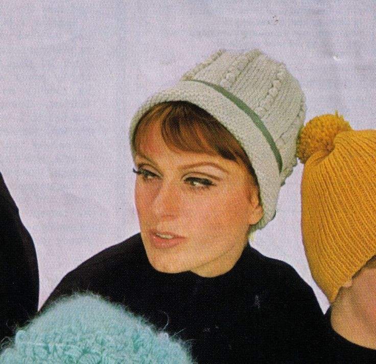 VINTAGE 1960'S WOMEN'S RETRO BOBBLE CREAM WINTER BEANIE 4 PLY KNITTING PATTERN