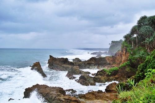 Pantai Karang Tawulan, Tasikmalaya, Jawa Barat, Indonesia.