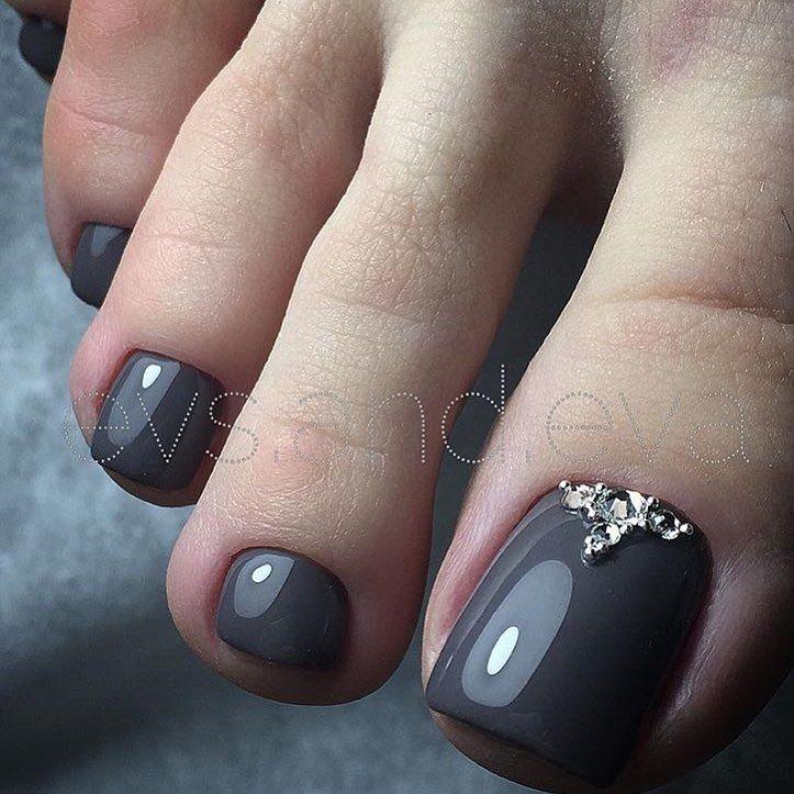 Grey Toe NailArt