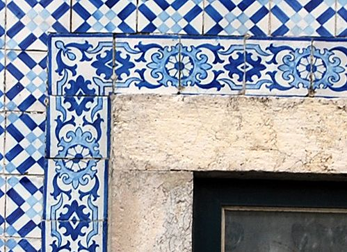 """Roseira wide frame patterns of the mid-19th century (photos: J-M Mimoso, 2012)   João Manuel Mimoso. """"Early façade azulejo frames by Fábrica Roseira of Lisbon,"""" in AzLab#14 Azulejos and Frames. Proceedings. 2 (2016), p. 54-60. URL: http://artison.letras.ulisboa.pt/index.php/ao/article/view/47"""