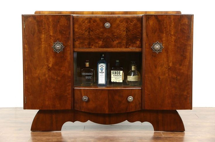 Art Deco English Walnut 1940 Vintage Bar Cabinet #ArtDeco #Hubbinet