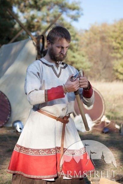 Tunique viking de lin «Bjorn le Bûcheron» avec décoration