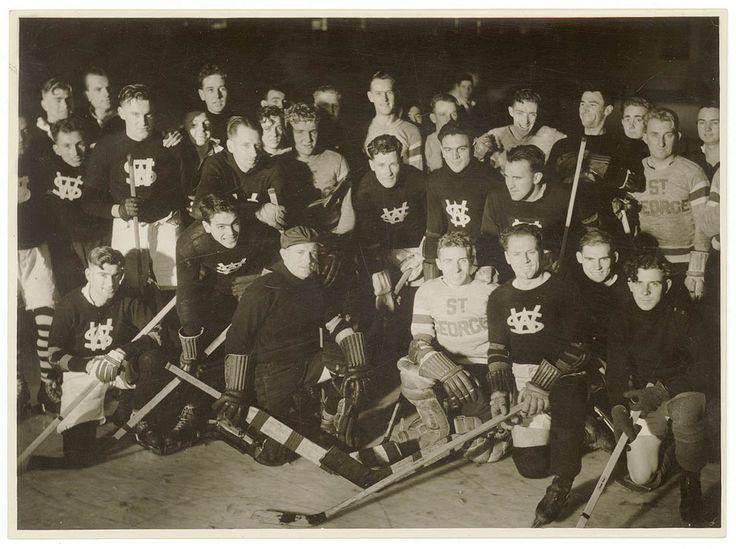 Western Suburbs and St.George ice hockey at Glaciarium, Sydney, June 1937 / photographer Sam Hood