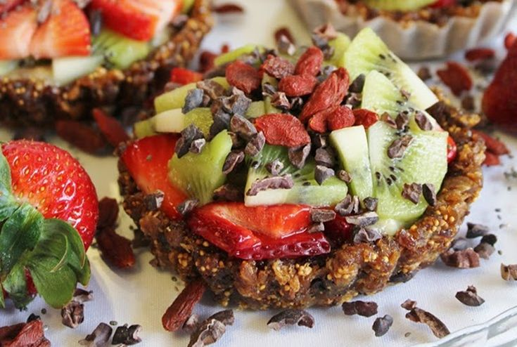 Raw Fruit Tarts (dates, raisins, figs, bananas, chia, strawberries, kiwi)