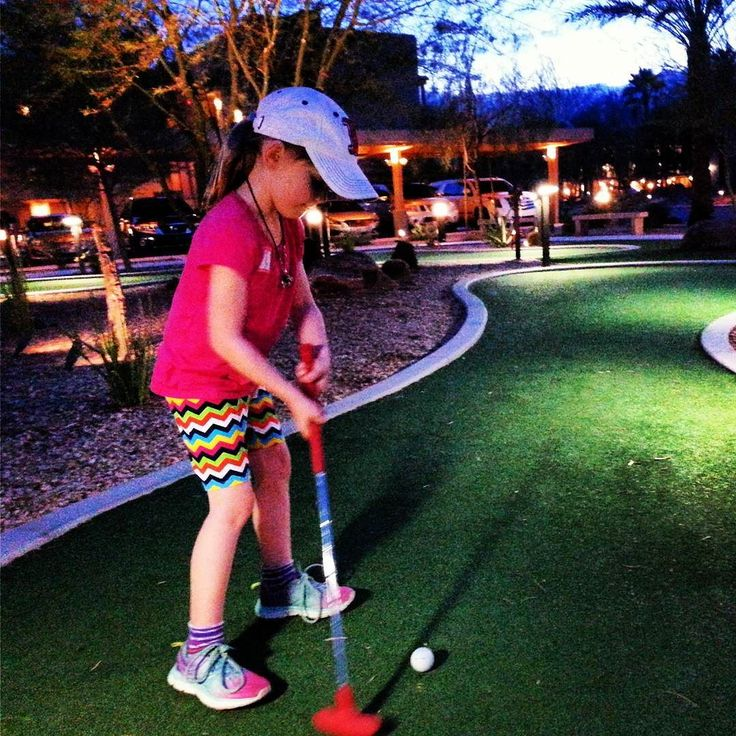 Fore! A little mini golf at the resort caps off a fantastic vacation day. Will we see her on the WPGA tour in 15 years?? @palmspringsoasis #findyouroasis #discoverpalmsprings #familyfuntravel #golf #marriottshadowridge #kids #familytravel #visitcalifornia #girlsgolf