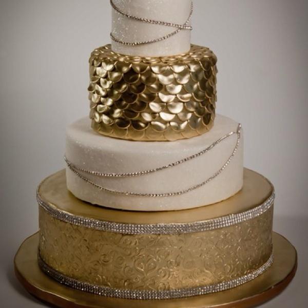 Lush Metallic GOLD 4 Tier CAKE!: Gold Weddings, Cakes Ideas, Gold Wedding Cakes, Cake Ideas, Gold Cakes, Beautiful Cakes, Sugar Couture, Thimbl, Golden Cake