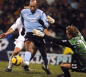 Bolton 0 Man City 1 in Dec 2004 at the Reebok Stadium. Nicolas Anelka is almost through for City #Prem