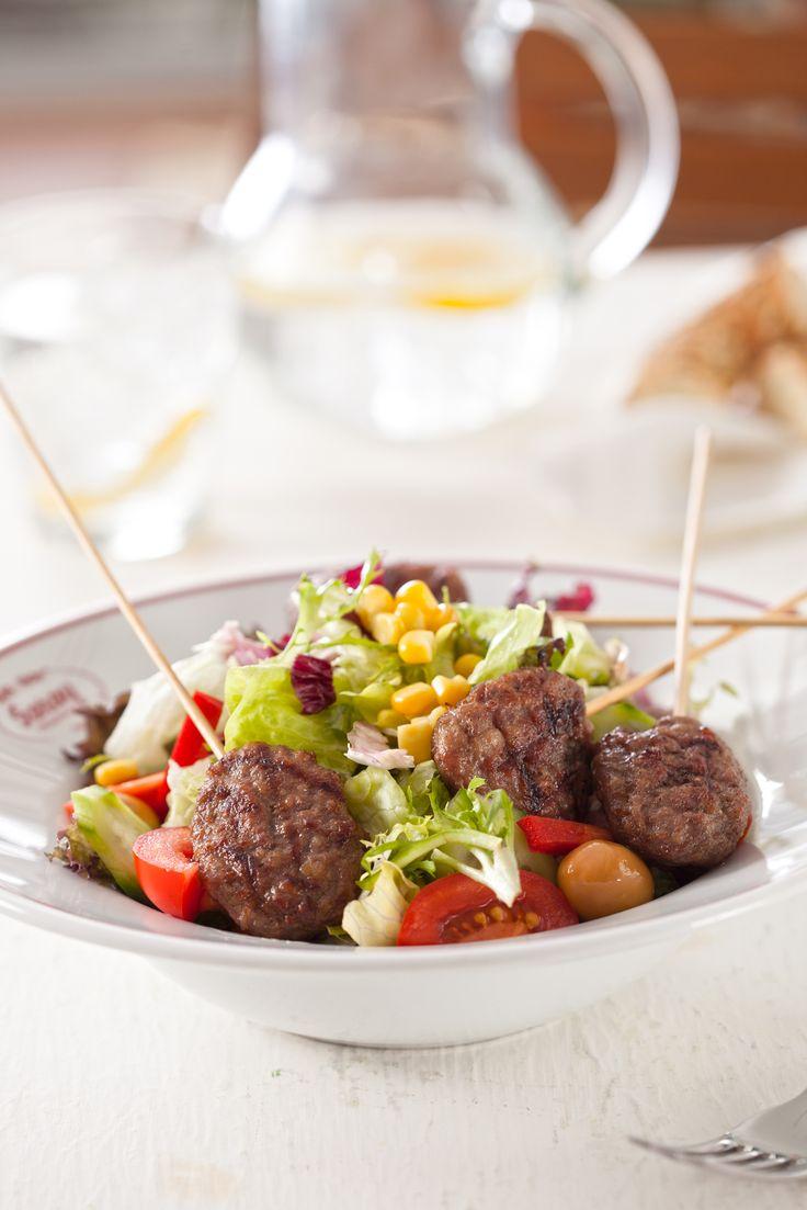 Saray Köfte Salata