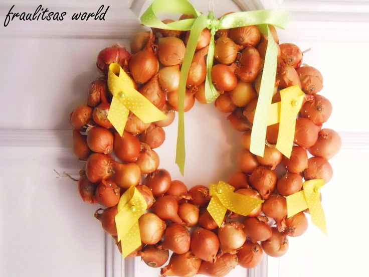 DIY onion wreath