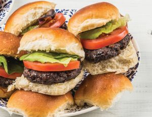 Cocoa-Spiced Sliders with Chocolate Red Wine Aioli using Dove Chocolate Discoveries products