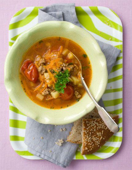 Vill du göra soppan mer asiatisk i smaken byter du lammfärsen till skinkfärs och lägger till ingefära och koriander och väljer sweet chili-sås. Simsalabim så har du ett recept till!
