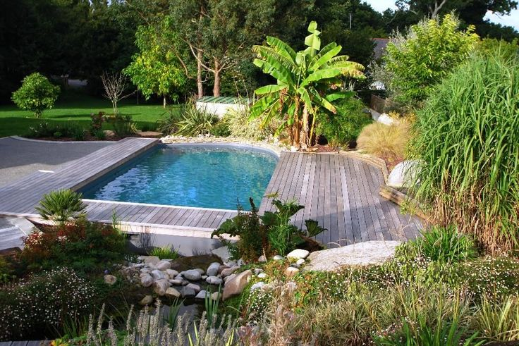 Rénovation d'un bassin artificiel en piscine