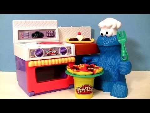 PLAY-DOH Chef Cookie Monster Eats Pizza Meal Making Kitchen Cookie Monst...