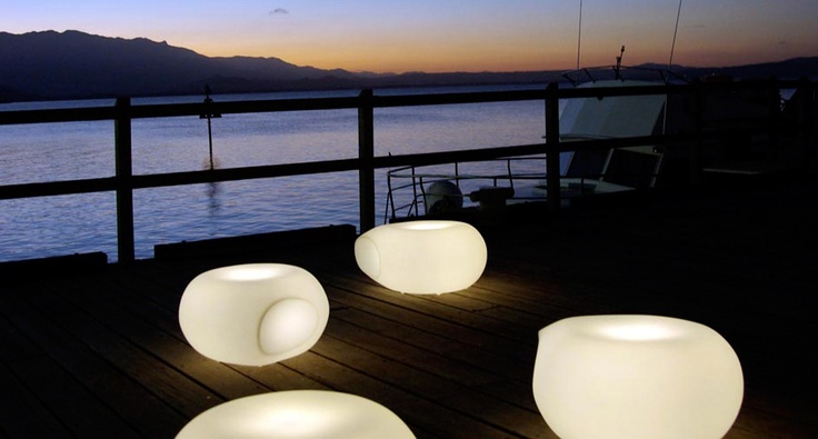 The Aura Illuminated is 2Design's award winning fusion of furniture, lighting and sculptural finesse, purposed for both commercial and domestic environments.