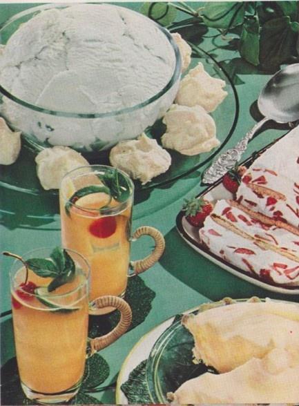 vintage food - Buffet Retro Cuisine