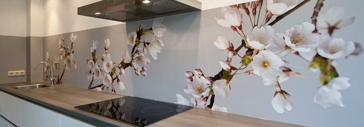 Pimp your kitchen - spatwand Blossom (Pimp Solid) keuken achterwand bij Kim en Bart