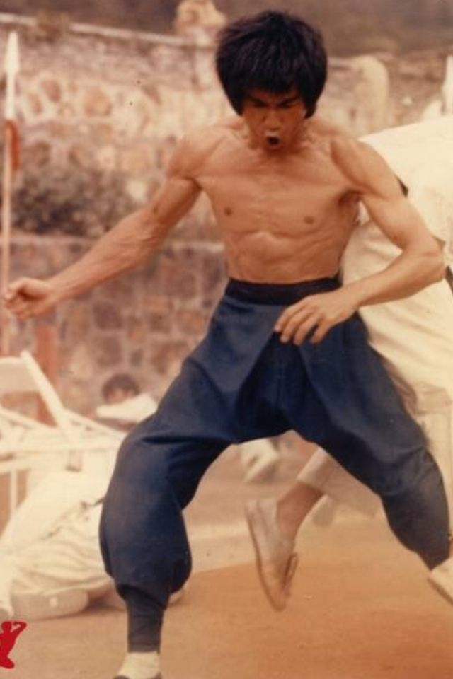the life and times of bruce lee The release of enter the dragon in 1973 should have been the culmination of  everything that bruce lee had worked to achieve since 1959,.