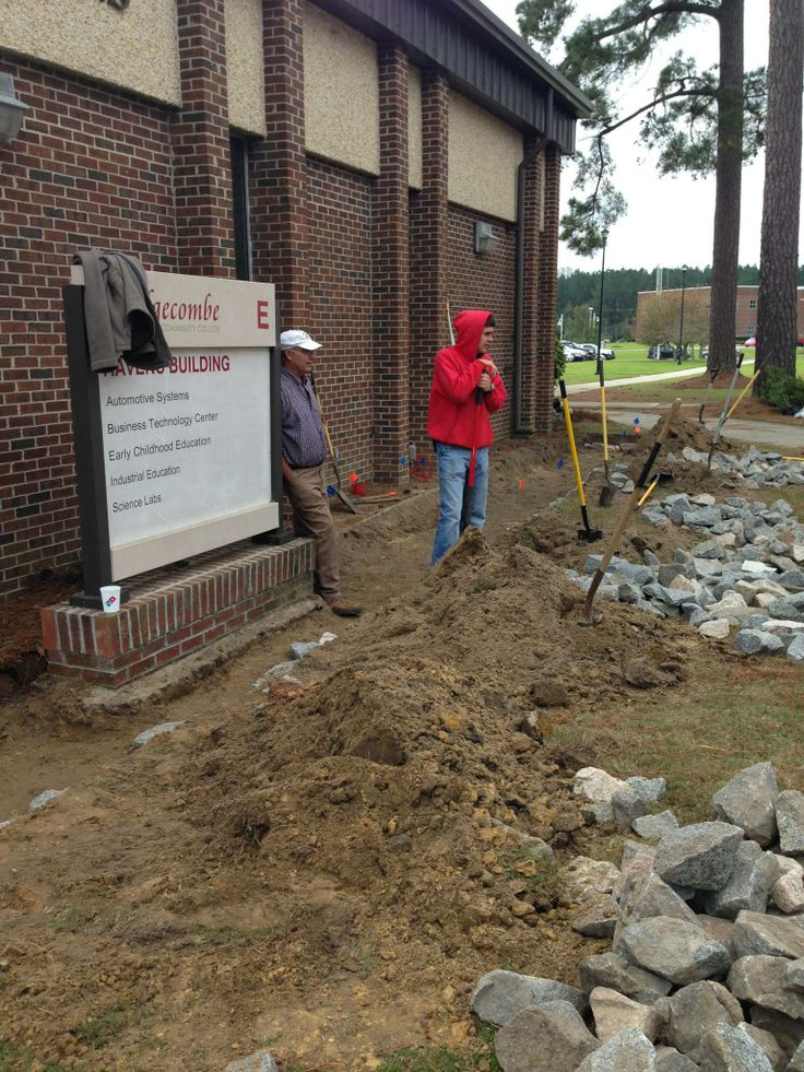 Breaking ground on #raingarden at Edgecombe Community College #ptrf ptrf.org